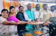 १०/- रुपयात भोजन शिवभोजन योजनेचे उदघाटन